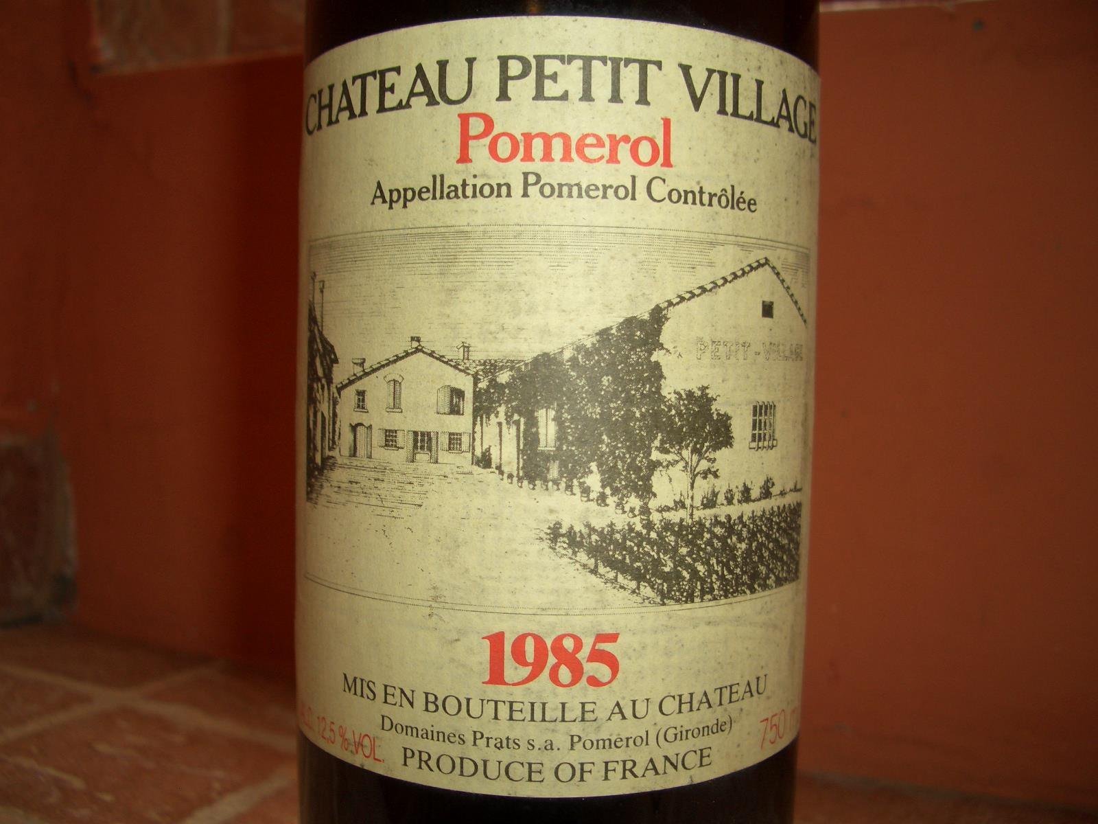 chateau petit village 1985 pomerol from grapes to wine. Black Bedroom Furniture Sets. Home Design Ideas